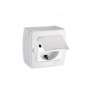 Розетка с заземлением с крышкой накладная Mono Electric, OCTANS IP 20 белая
