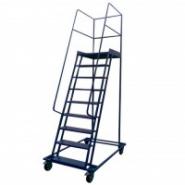 Лестница передвижная (на колесиках)
